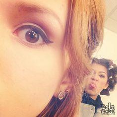 "Bella Thorne And Zendaya Coleman In Hair And Makeup At ""Shake It Up"" January 2013 Zendaya Photoshoot, Caroline Sunshine, Rocky Blue, Bella Thorne And Zendaya, Disney Channel Stars, Disney Stars, Sister Photos, Zendaya Coleman, Love Her Style"