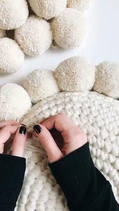 Crochet Animals, Crochet Toys, Knit Crochet, Crochet Stitches, Crochet Patterns, Diy Roman Shades, Diy Fashion Hacks, Diy Bookmarks, Diy Crafts For Home Decor