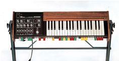 SH-1000 Roland Synthesizer