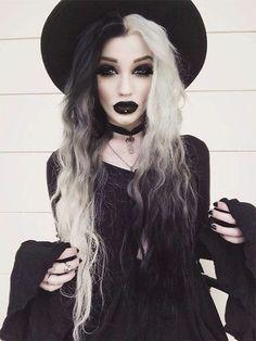 costume sorcière, robe noire, chapeau de sorcière noir, un look superbe qui va fasciner vos amis