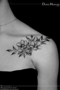 Resultado de imagem para flower collarbone tattoo