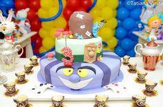 Cake at an Alice in Wonderland Party #aliceinwonderland #partycake