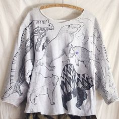 OMAさんはInstagramを利用しています:「OMA overdrawing sweatshirt 62 〈satisfaction 〉mutation length,undead, 神話時代の動物たち|animals of the mythical period Gray L…」
