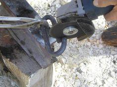 13 - l'anella di aggancio viene tagliata per poterla inserire nella barra di traino.