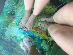 The laughing pond spa fish pedicure small fish eat dead for Fish eat dead skin spa