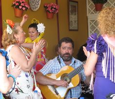 A hearty sing-song with your best mates is what the Feria is all about. These ladies know exactly how it should be done.