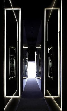 Joseph Dirand uses mirrors to the entrance of the Habita Hotel in Mexico.
