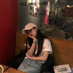 Suzy Bae Suzy, Ulzzang Korean Girl, Cute Korean Girl, Korean Actresses, Actors & Actresses, Look Fashion, Korean Fashion, Uzzlang Girl, Instyle Magazine