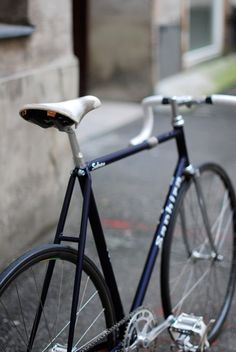 Nice bike for that suited up casual ride around town ; )