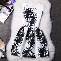 Women Summer Dress Vintage Printed Sexy Sleeveless Party
