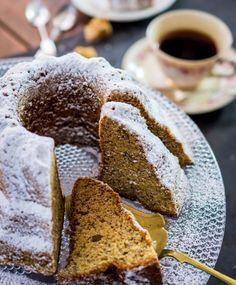 Todella mehevä banaanikakku on täydellinen vierasvara. Finland Food, Finnish Recipes, Pastry Cake, Something Sweet, No Bake Desserts, Coffee Cake, No Bake Cake, Afternoon Tea, Sweet Treats