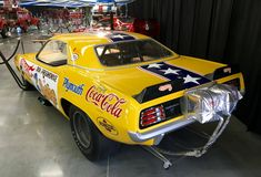 Auto Racing, Drag Racing, Dragster Car, Snake And Mongoose, Classic Cars Usa, 1960s Toys, Drag Bike, Model Cars Kits, Rat Fink