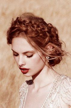 Trendy Wedding, blog idées et inspirations mariage ♥ French Wedding Blog: Sélection de boucles d'oreilles pour la mariée (Jenny Packham)