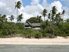 This charming Lamu Arab style house overlooks the Indian Ocean at Msambweni, 56km south of Mombasa.