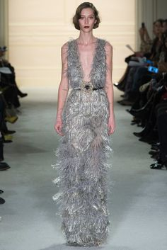 Don't be afraid to mix and match silver and gold. Be bold. Marchesa Fall 2015 Ready-to-Wear Fashion Show - Alana Zimmer