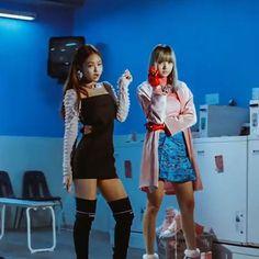 Jennie and Lisa are def fav #blackpink #blackpinkjennie #blackpinklisa…