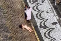 R12 Noticias: Morreu na hora: Vídeo mostra mulher se jogando do ...