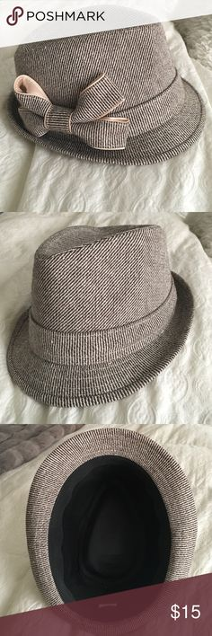 Fedora hat Perfect for winter, early spring. Worn once Accessories Hats