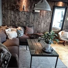 The crazy living room in its juice with raw wood and its dark colors that make it simply warm and pampering! Bell … - Decoration For Home Living Room Remodel, Living Room Decor, Raw Wood, Dark Colors, Sweet Home, New Homes, Lounge, Couch, Warm