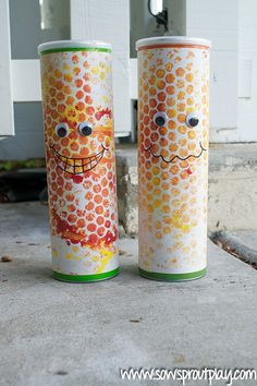 Making bubble wrap print corn shakers is great for sensory and fine-motor development! This adorable craft is great for fall … Fall Arts And Crafts, Fall Crafts For Kids, Family Crafts, Crafts To Make, Kid Crafts, Toddler Crafts, Fall Art Projects, Craft Projects For Kids, Arts And Crafts Projects
