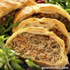 Receta de hojaldre relleno de carne y verduras. – comida saludable – Puff pastry recipe stuffed with meat and vegetables. No Salt Recipes, Beef Recipes, Mexican Food Recipes, Cooking Recipes, Healthy Recipes, Drink Recipes, Guatemalan Recipes, Tacos And Burritos, Puff Pastry Recipes