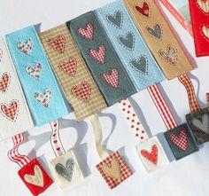 Celebration Candles (QAYG) Mug Rug Country Heart Bookmark Kids Crafts, Valentine Crafts For Kids, Felt Crafts, Fabric Crafts, Diy Valentine, Heart Bookmark, Bookmark Craft, Diy Bookmarks, Bookmark Ideas
