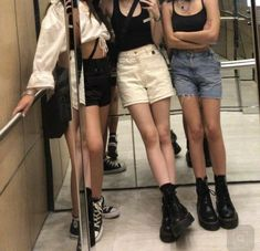 Women fashion Night Out College - - - Dam Mode Women fashion Outfits - - Traje Casual, Look Fashion, Womens Fashion, Fashion Belts, Rock Style Fashion, 90s Fashion Grunge, Black Girl Fashion, Vogue Fashion, Fashion Over 40