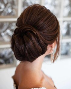 Bun hairstyles are popular wedding hairdos, and look good for different hair length. See our trendy collection of wedding bun hairstyles. Wedding Hairstyles For Long Hair, Bride Hairstyles, Pretty Hairstyles, Fashion Hairstyles, Short Hair, Romantic Hairstyles, Medium Hairstyles, Hairstyles Haircuts, Hairstyle Ideas