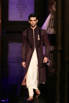 JJ Valaya. IBFW 14'. Indian Couture.