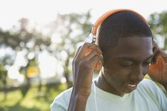 A new study has found that music therapy can reduce depression and raise self-esteem in young people.