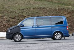 New T6 Volkswagen Transporter Reveals More Interior Details in Latest Spyshots - autoevolution