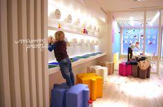 Peekaboo lego Peek a Boo, servicio de ludoteca y parque infantil, un multiespacio de diseño para disfrutar en familia