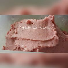 Gelato alla fragola - base latte senza uova Strawberry ice cream - milk base without eggs