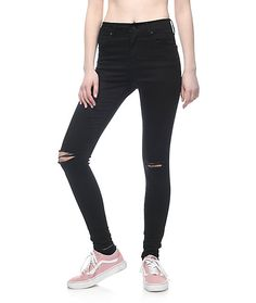 The Drea Hi-Rise Jeggings from Empyre offer an ultra skinny fit throughout with ample stretch for comfort and mobility. The stretch construction works with the hi-rising waist to contour every curve while the slimming black wash enhances these already fla Black Ripped Jeans, Black Pants, Skinny Fit, Skinny Jeans, Vans Checkered, Skater Outfits, Vans Slip On, Denim Branding, Juniors Jeans