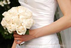 wedding bouquets white roses