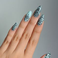 How to get and do pointy nails with beautiful pointy nails inspiration, designs and the latest trends from white, black, pink and matte pointy nails. Indian Nail Art, Indian Nails, Rasta Nails, Henna Nails, Gothic Nails, Mandala Nails, Vintage Nails, Pointy Nails, Nail Art Stickers