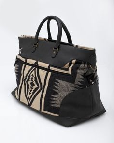 Pendleton Overnight Bag-travel in style:) Tote Handbags, Purses And Handbags, Handbags Online, Moda Peru, Sac Week End, Carpet Bag, Boho Bags, Beautiful Bags, My Bags