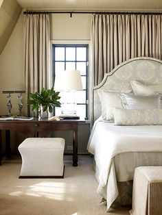 Wall of drapes   McAlpine-Booth-&-Ferrier-Interiors-Beachfront-Light-6