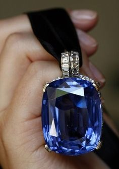 206.82 carat Sapphire Pendant of Duchess of Windsor (Wallis Simpson)