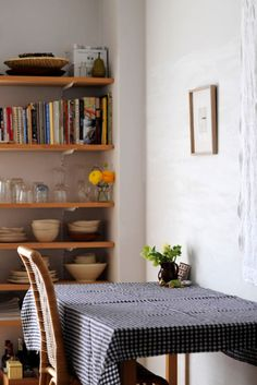 (via sneak peek: yumiko sekine of fog linen work | Design*Sponge)