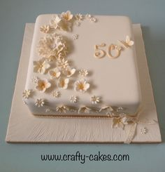 Crafty cakes Cake for the anniversary 50th Birthday Cake For Women, 90th Birthday Cakes, 50th Cake, Birthday Ideas, Golden Anniversary Cake, 50th Wedding Anniversary Cakes, Aniversary Cakes, Golden Cake, Celebration Cakes