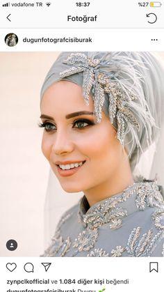 Image may contain: 1 person, closeup Hijab Turban Style, Mode Turban, Hijab Dress Party, Muslim Wedding Dresses, Bridal Hijab Styles, Hijab Style Tutorial, Hijab Bride, Beautiful Hijab, Headgear