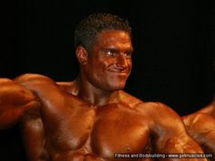 David Hoffmann at the 2008 Deutsche Meisterschaft #DavidHoffmann #DavidHoffman #bodybuilder #bodybuilding #German #championship #contest #posting #flex #flexing #abs #biceps #triceps #pecs #quads