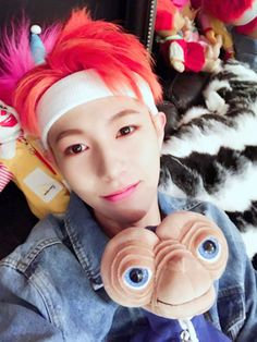 Huang Ren Jun (黄仁俊) also known as Renjun (런쥔) of NCT DREAM |  He's just too adorable!! I just want give him a big hug!