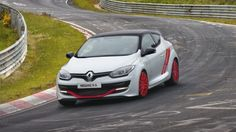 Renault Megane RS275 Trophy R is a fully-fledged track weapon.
