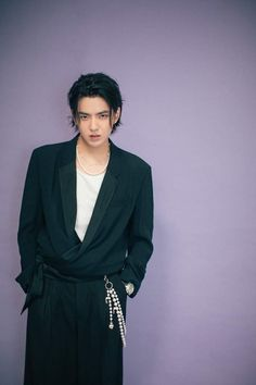 Wu Yi Fan, Kris Wu, Luhan, Music Artists, Wrap Dress, Suit Jacket, Mens Fashion, Kpop Fashion, Blazer