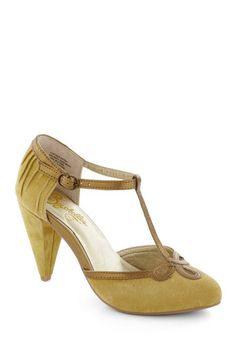 All Dressed Up Heel in Mustard, #ModCloth--this is just too too much! I love it!