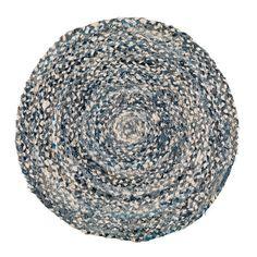 Flätan är en rund trasmatta i härliga färger. Trasmattan går bra att ha som badrumsmatta eller sovrumsmatta - Handla mattor online snabbt, smidigt och tryggt med 30 dagars öppet köp. Mattconcept.se - din mattbutik på nätet.