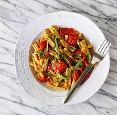 Pasta with Tomatoes, Basil and Garlic