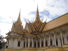 Top 5 things to do in Phnom Penh Cambodia.